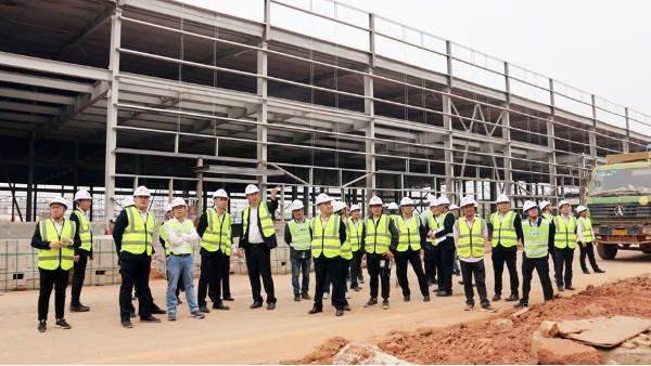 公司组织项目管理人员到南宁合众新能源汽车项目交流学习